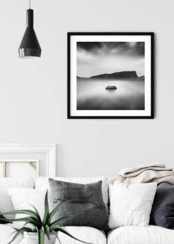 Plakat do sypialni przedstawiający Samotną Wyspę